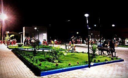 Nova Praça feita com recursos próprios